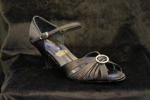 D No. 1033 Black Satin (2.5 inches)